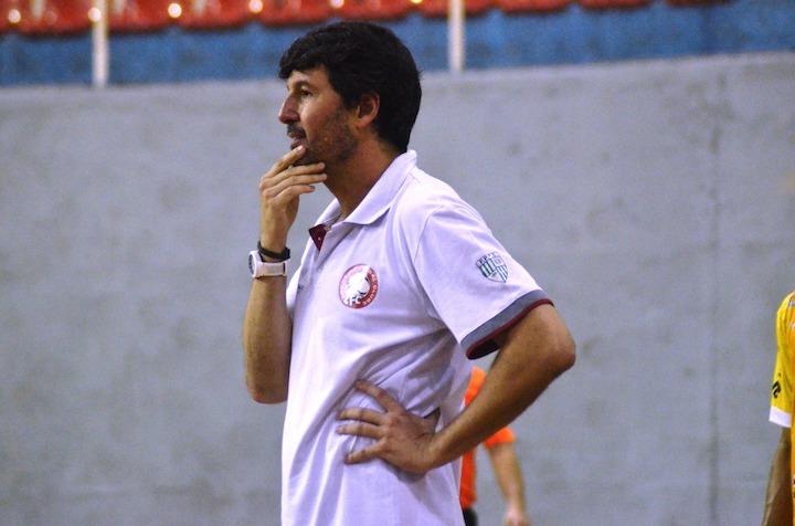 a8fb735032 A variedade tática do jogo de linha-goleiro - Pedagogia do Futsal